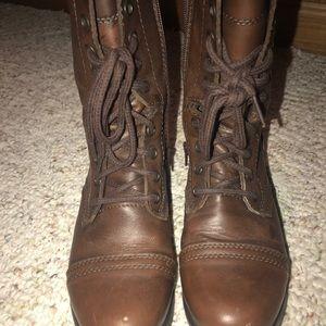Combat boots